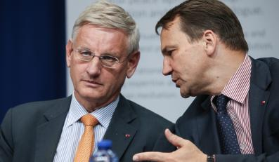 Szefowie MSZ Szwecji i Polski - Karl Bildt i Radosław Sikorski