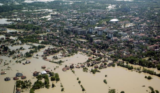 Powódź w Serbii - zalana miejscowość Obrenowac