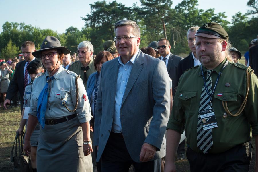 Harcerze i prezydent Bronisław Komorowski