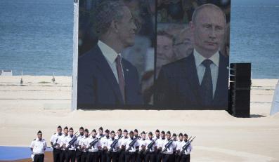 Barack Obama i Władimir Putin podczas obchodów 70. rocznicy lądowania w Normandii