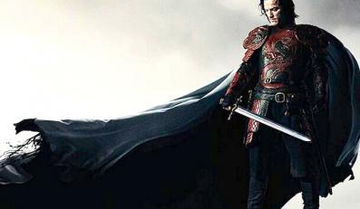 Nowy Drakula jak Batman na pierwszym plakacie