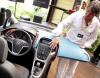 """""""Astra to samochód sportowy z elementami elegancji, zaś insignia to samochód elegancki z elementami sportowymi."""" - powiedział DZIENNIKOWI w czasie prezentacji Malcolm Ward, szef stylistów odpowiedzialnych za astrę czwartej generacji (na zdjęciu)"""