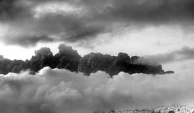 Pył z wulkanu zasnuł europejskie lotniska