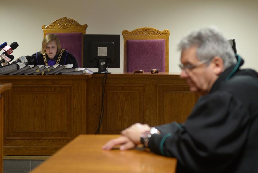 Sędzia Katarzyna Religa i mecenas Piotr Kruszyński podczas rozpatrywania przez Sąd Rejonowy dla Warszawy Pragi - Północ zażalenia złożonego przez tygodnik \