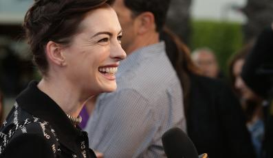 Anne Hathaway rozpoczęła gwiazdorski łańcuszek wywiadów