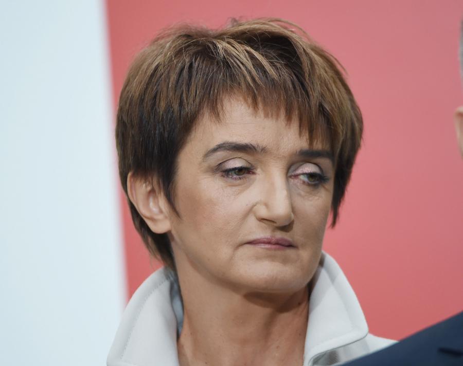 Kandydatka na ministra infrastruktury i rozwoju Maria Wasiak podczas oficjalnego ogłoszenia składu rządu Ewy Kopacz