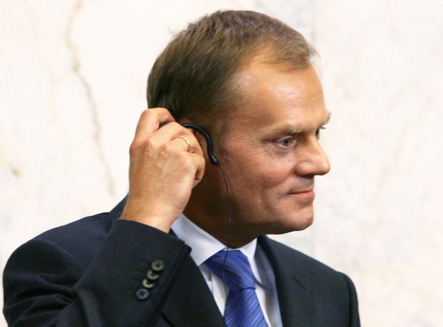 Tusk prosi telewizję o wywiad
