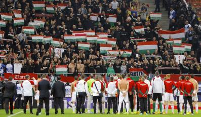 Kibice z Węgier na stadionie w Bukareszcie