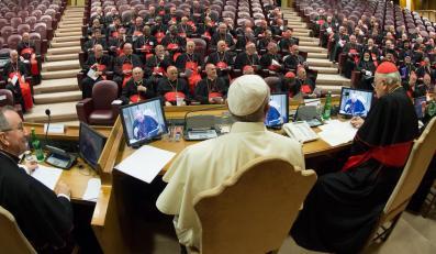 Spotkanie biskupów w Watykanie