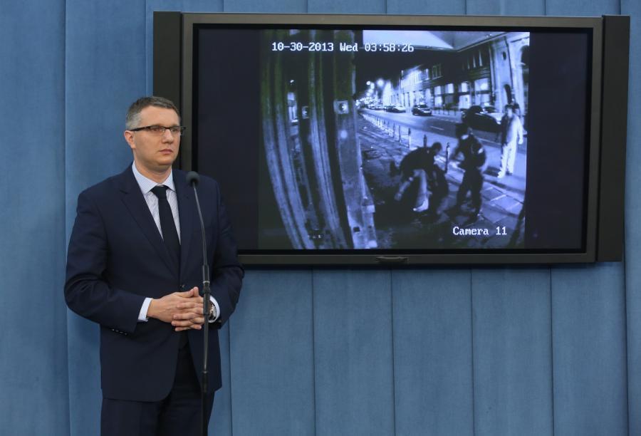 Przmysław Wipler i nagranie z monitoringu