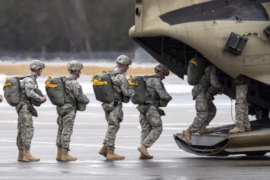 Do Iraku pojedzie dodatkowo półtora tysiąca wojskowych