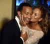 Złote Globy 2015 zza kulis: John Legend z żoną Chrissy Tiegen