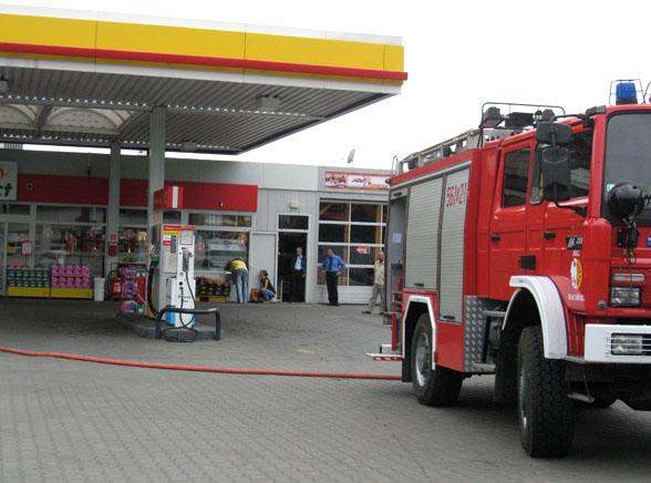 Na stacji benzynowej groził, że się podpali