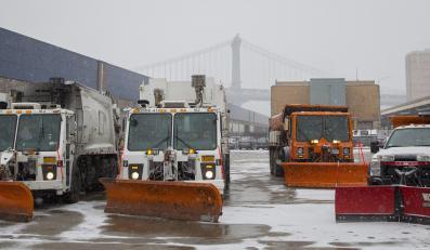 Przygotowania służb do śnieżycy