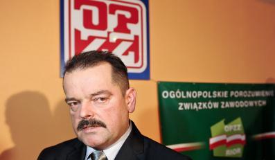 Szef organizacji rolniczych Sławomir Izdebski podczas konferencji prasowej po posiedzeniu rady krajowej Ogólnopolskiego Porozumienia Związków Zawodowych Rolników i Organizacji Rolniczych w Warszawie