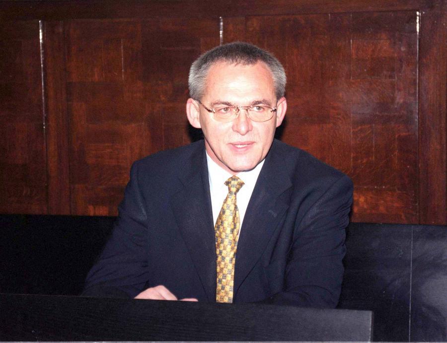 Aleksander Gawronik w 2000 roku. Proces o przywłaszczenie z kasy Ar-B dóbr o wartości 1,8 mln złotych