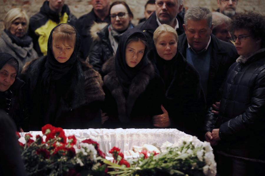 Pogrzeb Borysa Niemcowa. Bliscy nad trumną zastrzelonego opozycjonisty