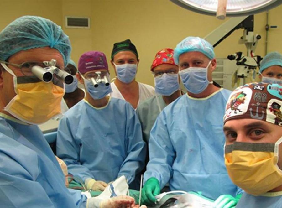 Pierwszy na świecie udany przeszczep penisa (fot. Stellenbosch University)