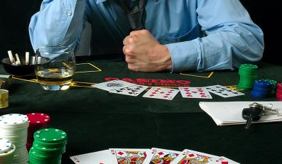Polacy w szponach internetowego hazardu