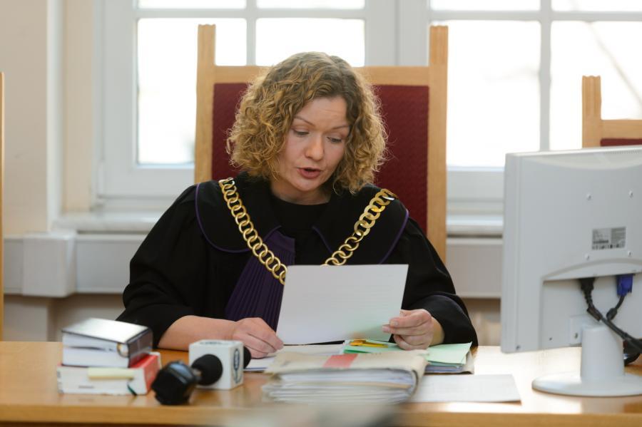 Sędzia Agata Trzcińska ogłasza wyrok