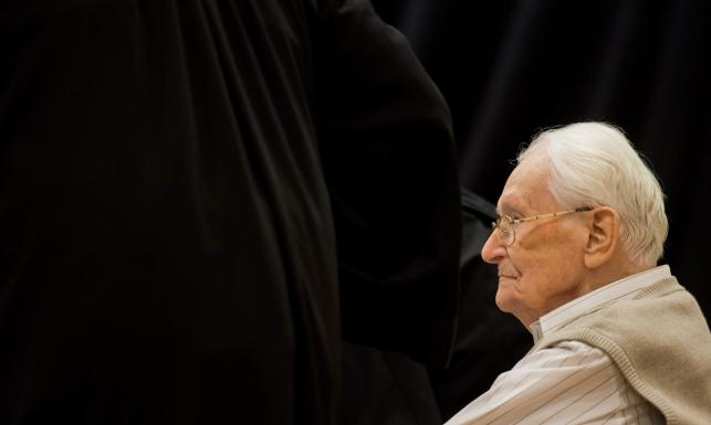 Były SS-man z Auschwitz błaga o przebaczenie: Wiedziałem, gdzie trafią Żydzi [ZDJĘCIA Z PROCESU]