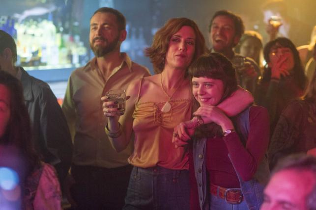 "Kristen Wiig i Bel Powley w filmie ""The Diary of a Teenage Girl"""