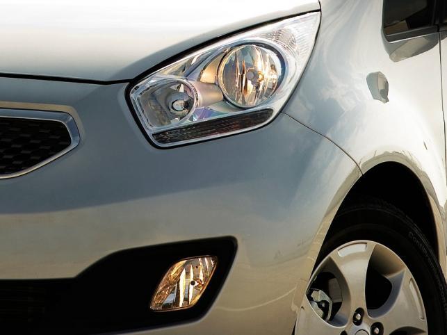 Silniki całej gamy Kia Venga wyposażone będą w system ISG (technologia Idle Stop & Go) i w zakresie czystości spalin spełniać będą oczywiście wymogi normy Euro 5