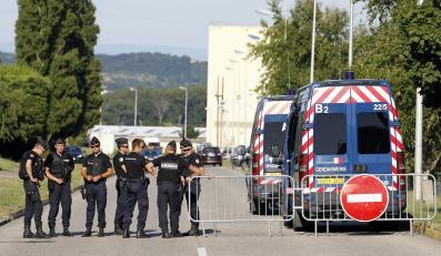 Miejsce zamachu terrorystycznego w fabryce Air Products w Saint-Quentin-Fallavier niedaleko Lyonu