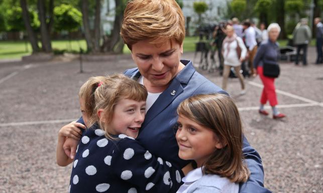 Wycieczka, której długo nie zapomną... Beata Szydło oprowadzała dzieci po Sejmie