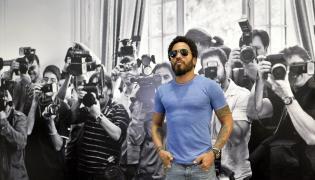 Lenny Kravitz fotografuje paparazzi