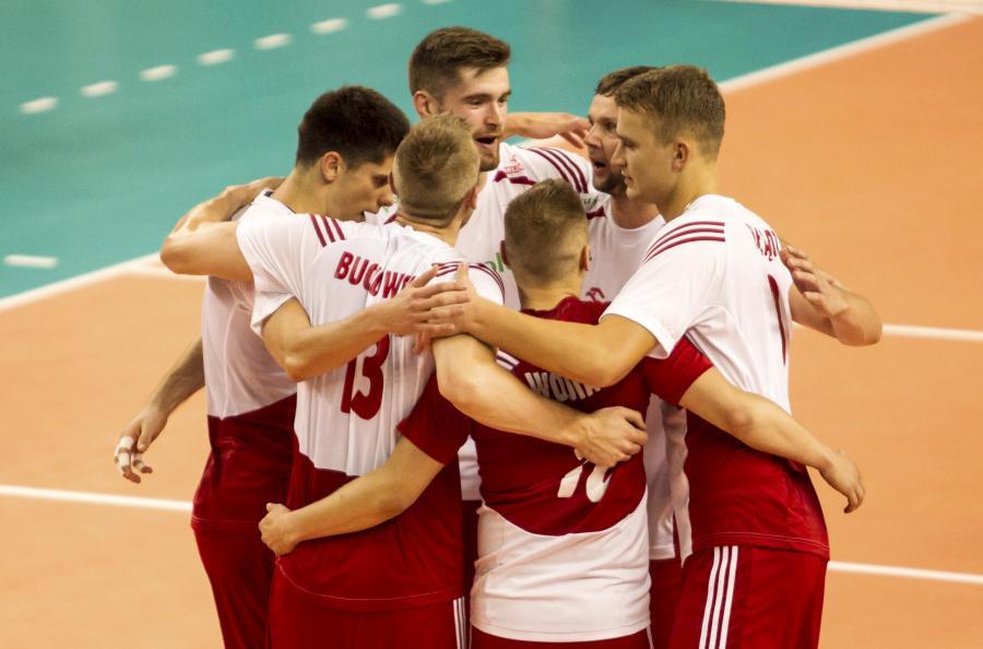 Polacy cieszą się z punktu podczas meczu Ligi Europejskiej siatkarzy ze Słowenią, 13 bm. w Wałbrzychu