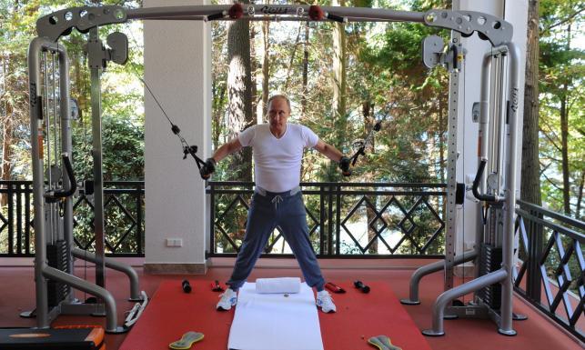 Najpierw siłownia, potem grill i herbatka. Putin jakiego nie znacie. ZDJĘCIA