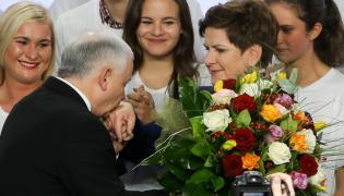 Jarosław Kaczyński i wiceprezes PiS, kandydatka na premiera Beata Szydło