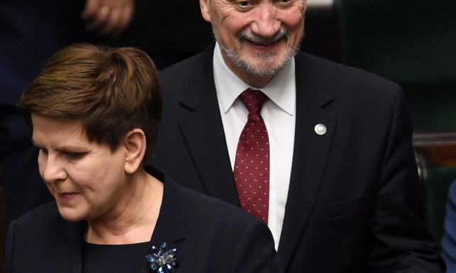 Co przeskrobał Macierewicz? Jak wpadła Szydło? Zobacz, grzechy i samochody ministrów nowego rządu PiS. Zdjęcia