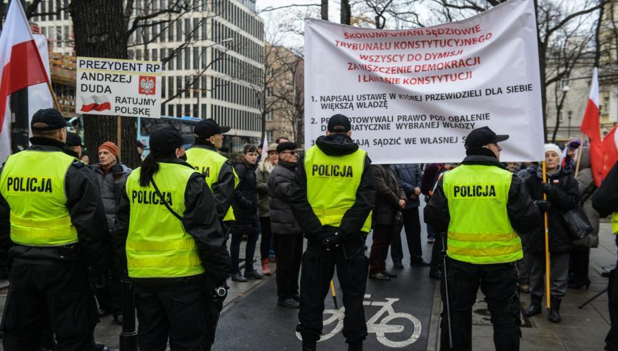 Manifestacje przed Trybunałem Konstytucyjnym