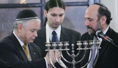 Lech Kaczyński zapalił chanukową świeczkę