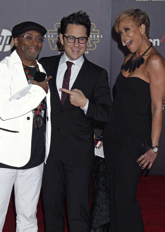 """Spike Lee, Tonya Lewis Lee i reżyser """"Przebudzenia Mocy"""" J.J. Abrams"""