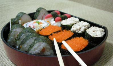 Sushi i kalmary zamiast karpia i pierogów
