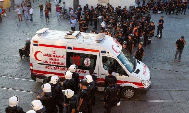 Zamachowiec-samobójca? Eksplozja w Stambule, są ofiary [ZDJĘCIA]