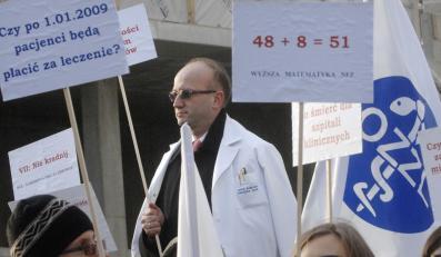 Lekarze wystąpili do minister zdrowia Ewy Kopacz o odwołanie Jacka Paszkiewicza