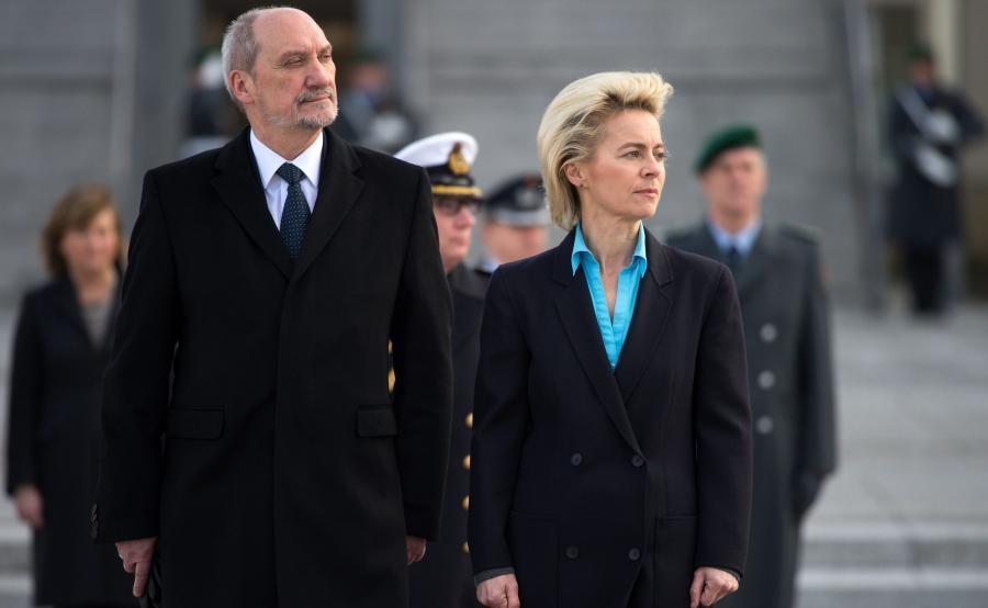 Antoni Macierewicz i Ursula von der Leyen