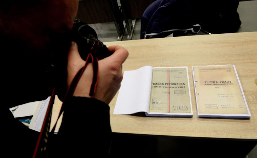 Pierwsza partia dokumentów z domu Czesława Kiszczaka, udostępniona przez IPN