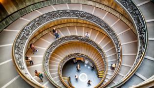 Spiralna klatka schodowa w Muzeum Watykańskim