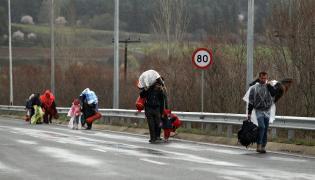 Uchodźcy na granicy Grecji z Macedonią