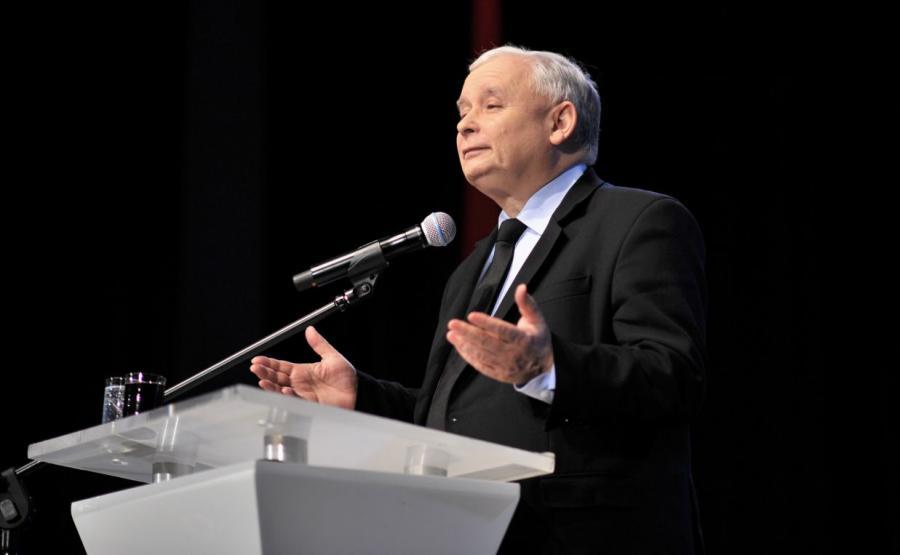 Prezes PiS Jarosław Kaczyński, podczas spotkania z wyborcami w Łomży
