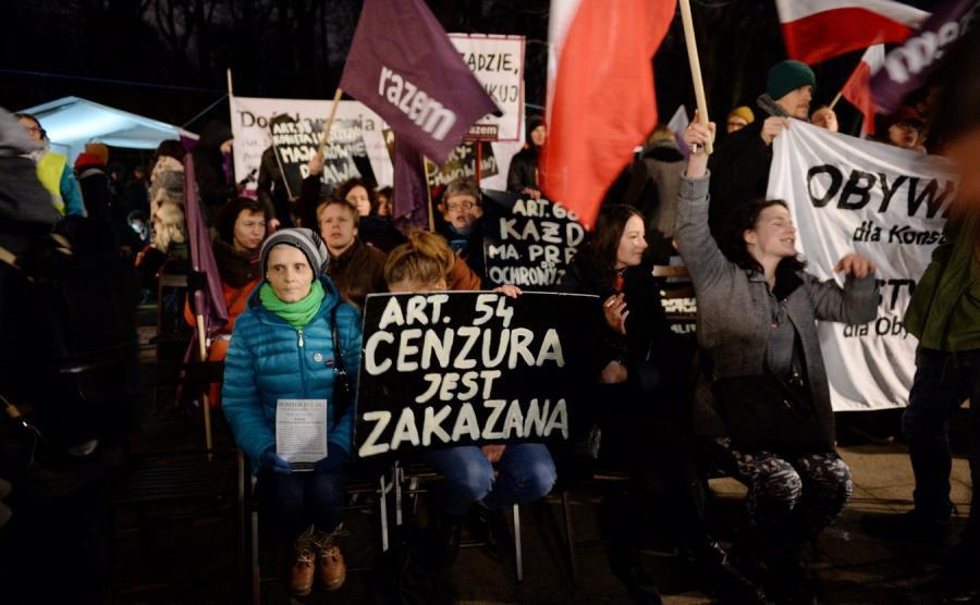 Protest Partii Razem przed KPRM