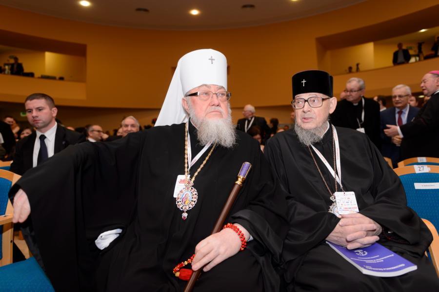 Prawosławny Metropolita Warszawski i Całej Polski - Metropolita Sawa (L) i Prezes Polskiej Rady Ekumenicznej abp Jeremiasz