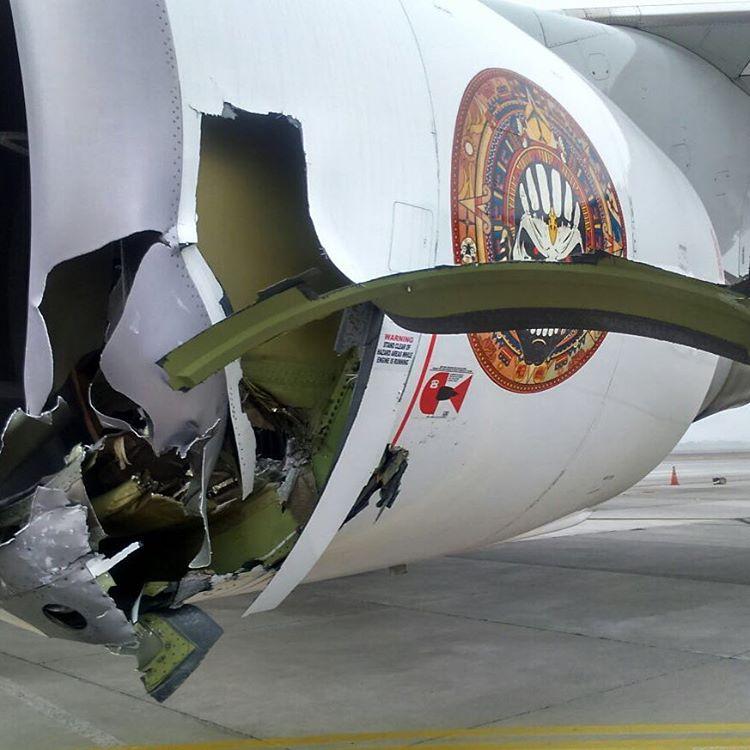 Samolot zderzył się z ciągnikiem, z którym był połączony