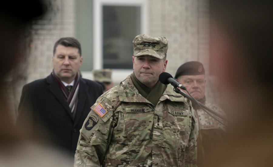 """Generał Frederick """"Ben"""" Hodges, dowódca sił lądowych USA w Europie"""