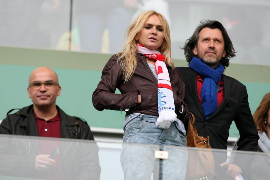 Monika Olejnik, czyli pierwszy kibic RP. Dziennikarka wierną fanką piłki nożnej